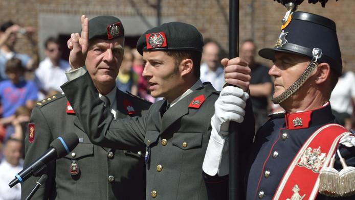 Jaap van Dijk, wordt beëdigd. Hij neemt in 2016 ontslag bij de reservisten.