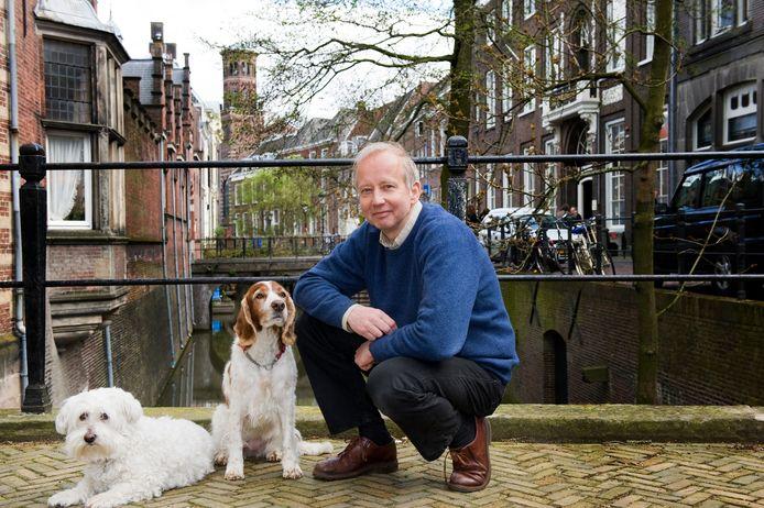 Naamkundige Gerrit Bloothooft van de Universiteit Utrecht speurde samen met Edda Heinsman naar het ontstaan van de Twentse naam Marèl.