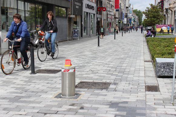 Deze verzinkbare palen zijn een mooie opstap naar het autoluwer en fietsvriendelijker maken van onze binnenstad.