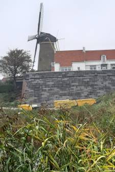 Oude vestingmuur van Zierikzee kan er weer tweehonderd jaar tegenaan