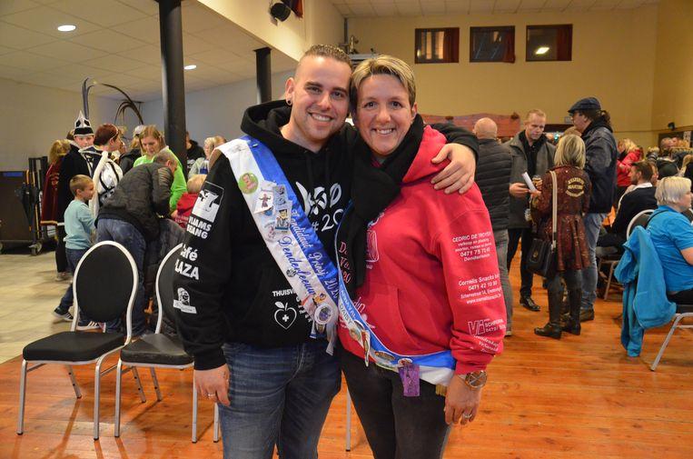 Nino en Daisy, kandidaat-prins en -prinses, op de opening van het carnavalsjaar in Denderleeuw.