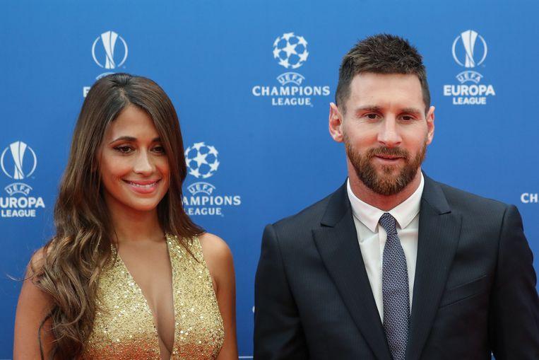 Lionel Messi nam zijn vrouw Antonella Roccuzzo mee naar Monaco.