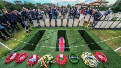 """13 Gemenebest soldaten Hill 80 begraven in Wijtschate: """"Al kennen we hun namen niet, we herdenken de moed die ze opbrachten in de hel van de oorlog"""""""