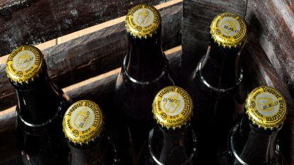 Boze paters Westvleteren nemen advocaat in de arm om 'hun' bier te beschermen