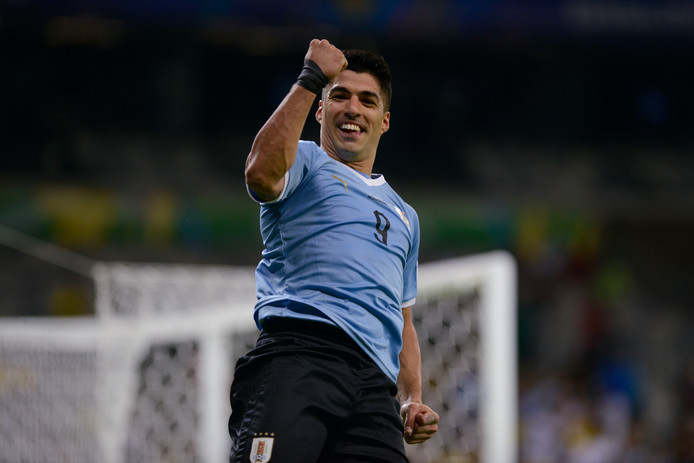 Dans le sillage de Luis Suarez, l'Uruguay a réussi son entrée en lice au Brésil.