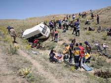 Un minibus bondé de migrants part à la renverse en Turquie: 17 morts