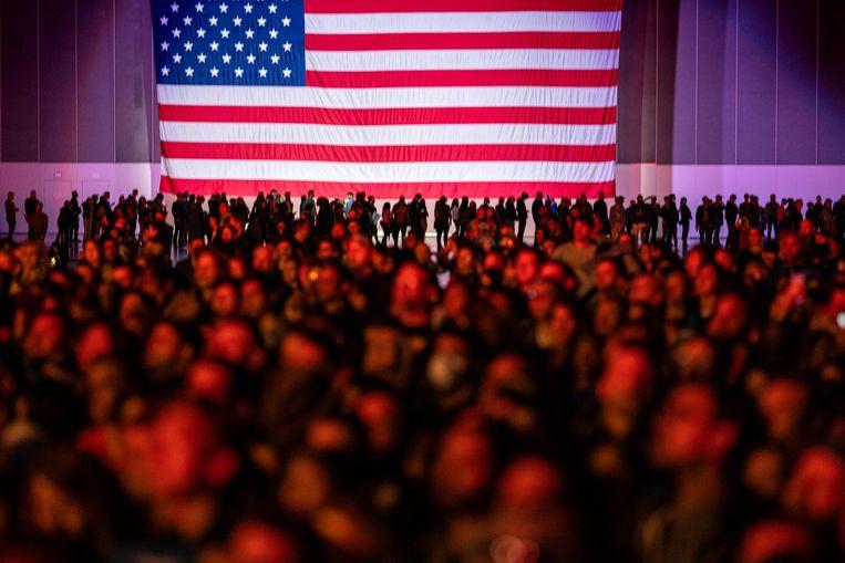 Supporters van Bernie Sanders tijdens een rally  in Los Angeles.  Beeld Barcroft Media via Getty Images