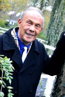 Delftse Ferry (81) schittert in Carré in finale van Ouderen Songfestival