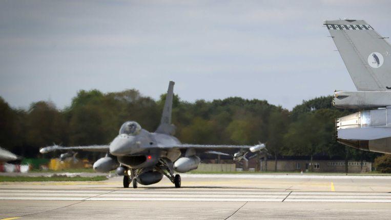 F16's op luchtmachtbasis Volkel. Beeld null