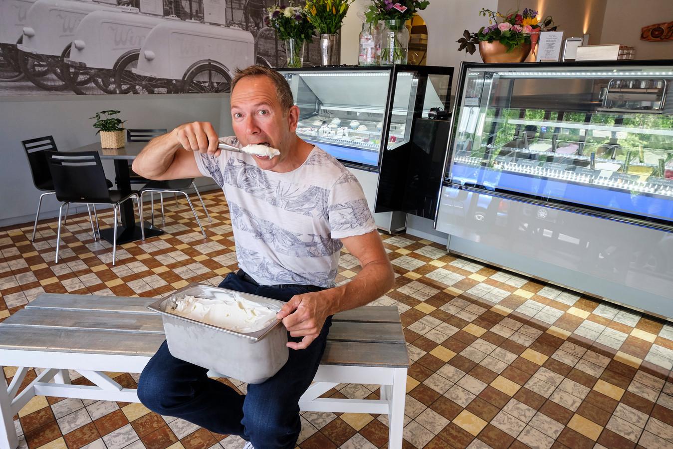 ,,Ik vind mijn bijnaam 'Yoghurtman' vooral stoer'', zegt Rotterdammer Martin Wildeboer.