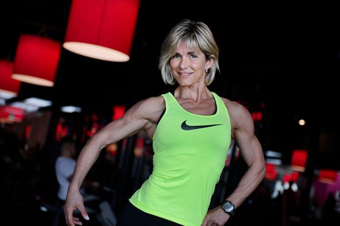 Monique van Dijk is in 2017 na de eerste strijd tegen borstkanker weer in topvorm.