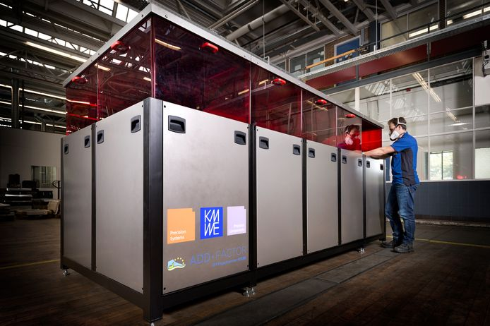 De nieuwe 3d printmachine van KMWE wordt deze week gepresenteerd.