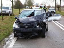 Aanhanger waait los en knalt op rijdende auto in Megen: vrouw gewond naar ziekenhuis