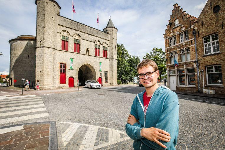 Stijn Vandamme laat de Kruispoort zélf de hoofdrol vertolken in zijn kortfilm.