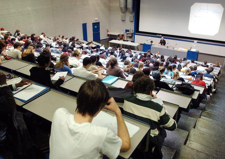 Vorig academiejaar studeerden 32.499 buitenlandse studenten aan een hogeschool of universiteit in Vlaanderen. In het academiejaar 2008-2009 waren dat er nog maar 13.963.