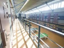 Streng beveiligde gevangenis houdt open huis voor sollicitanten