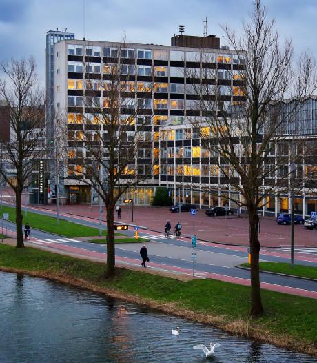 Gemeente zet bekendmakingen  Dordrecht voorlopig nog op papier