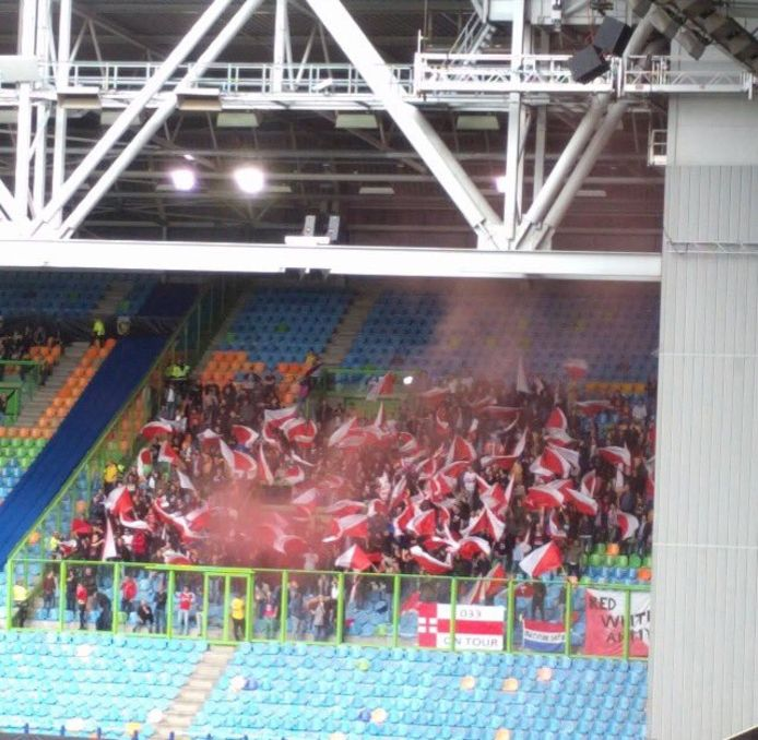 Het uitvak in de Gelredome is morgenavond volledig gevuld met FC Utrecht-fans.