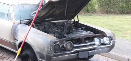 Oldtimer loopt grote schade op door brand in 'S-Heerenberg