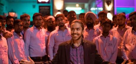 Vier sterren voor 'Slumdog Millionaire met gemene twist'