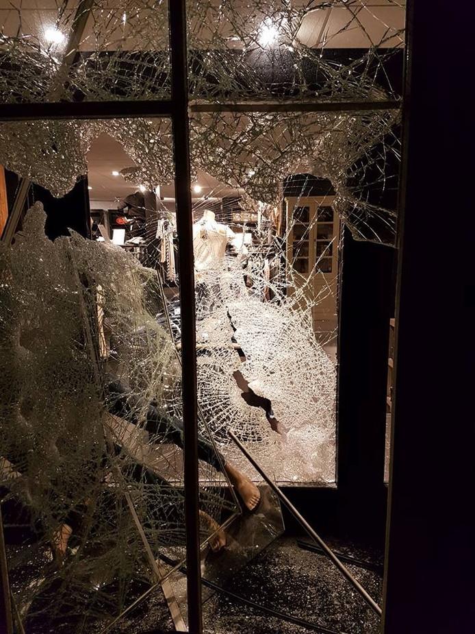 Schade in kledingwinkel St. Oedenrode