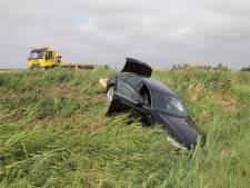 Twee auto's in sloot door ongeval bij Burgh-Haamstede