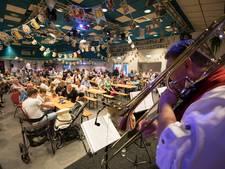Liefhebbers van blaasmuziek komen aan hun trekken bij Mierloos Oktoberfest