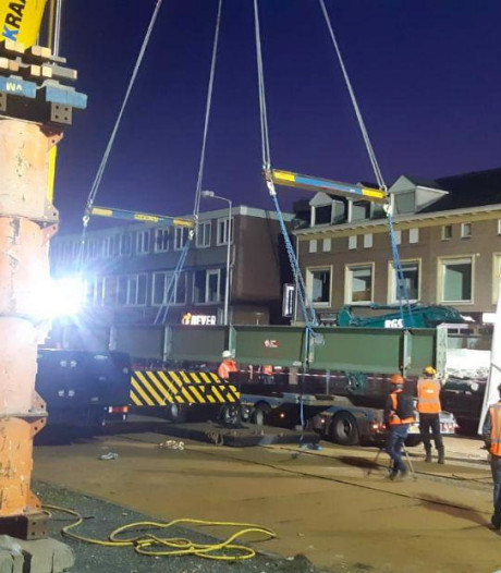 Historisch stukje Enschede is niet meer: loopbrug van MST verwijderd