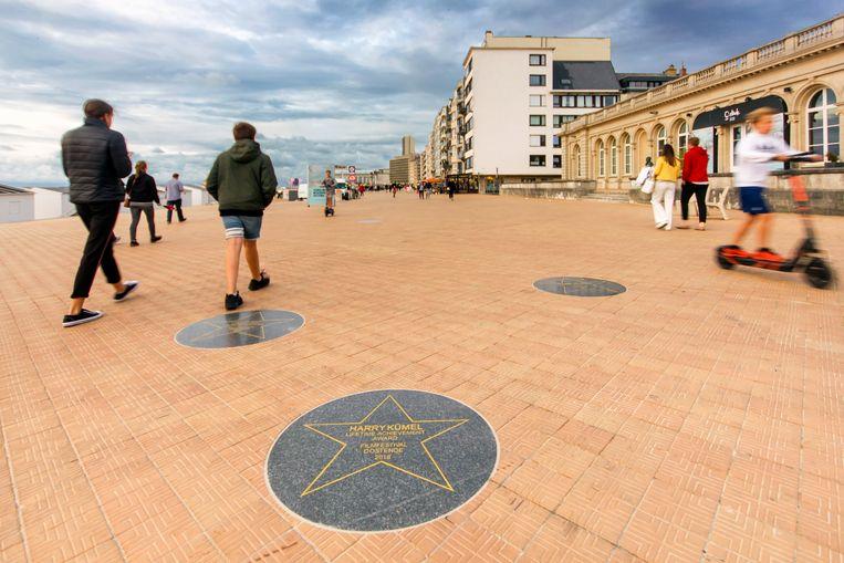 Op de zeedijk kreeg regisseur Harry Kümel een ster in de Walk of Fame. Beeld Sander Groen
