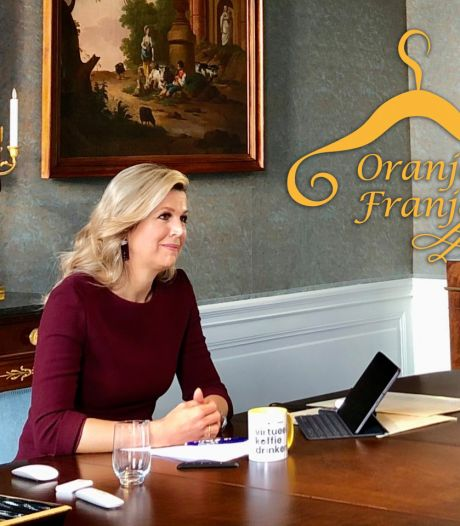 De koningin geeft met haar look haar mede-zoomers een lesje digitaal shinen