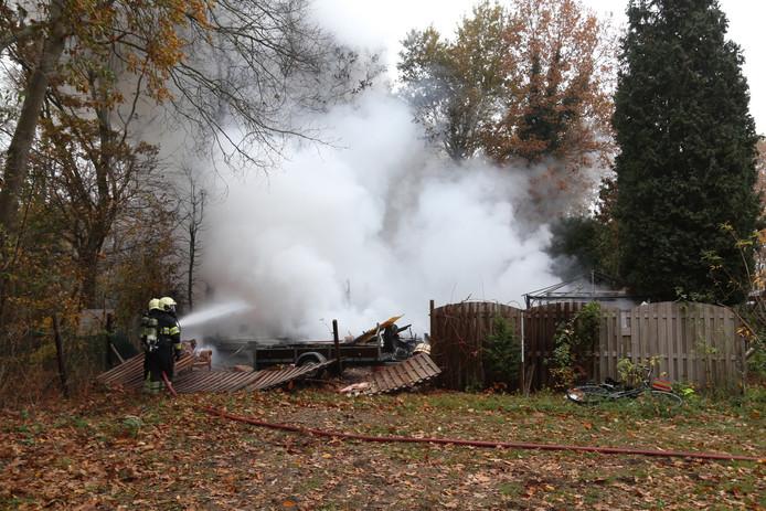 De chalet in Zeeland na de brand.