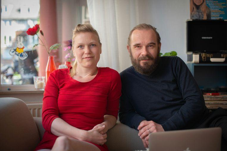 Lore Dijkman en Michel Sluysmans in 'Lockdown'. Beeld Toneelgroep Maastricht