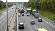 Twee ongevallen aan verkeerswisselaar door gladde baan