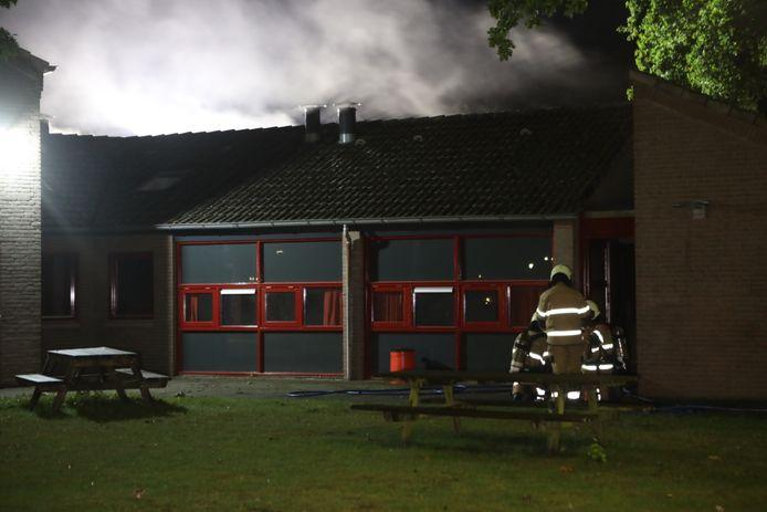 Veel rookontwikkeling bij de middelgrote brand in Boxtel.