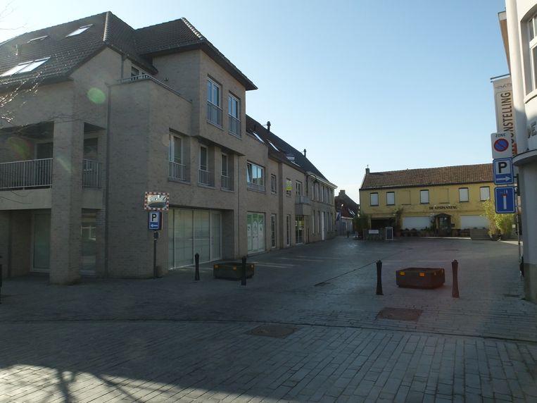 De panden op de hoek van Machelendorp en de Karperstraat staan al een tijdje leeg.