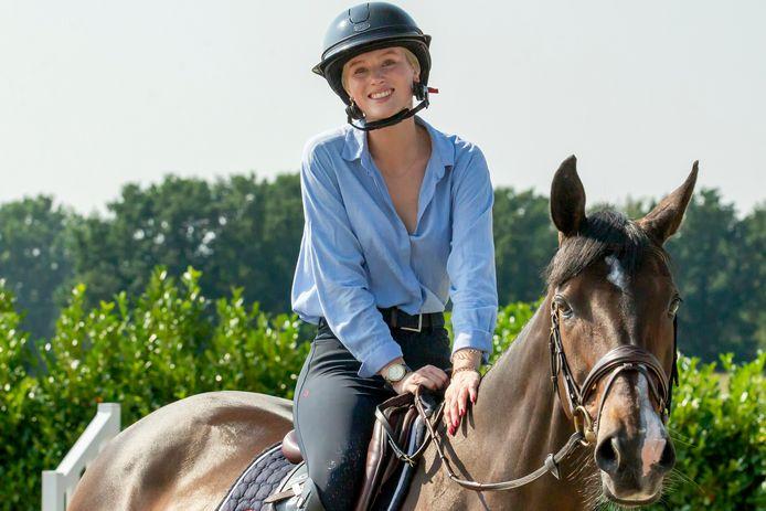 Skye Morssinkhof verbaast vriend en vijand met haar paard G-Vingino-Blue.