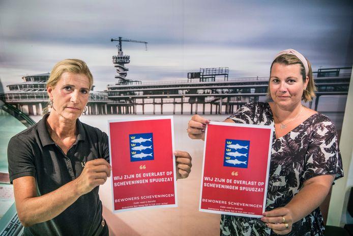 Bewoners van Scheveningen zijn de overlast op Scheveningen spuugzat en komen met eigen posters en vlaggen.