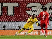 FC Twente overleeft storm PSV en knokt zich naar een punt
