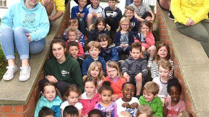 Kinderen amuseren zich op speelplein 't Foensjske