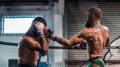 Je zal zijn sparringpartner maar zijn: messcherpe McGregor toont dat hij klaar is voor terugkeer naar het octagon