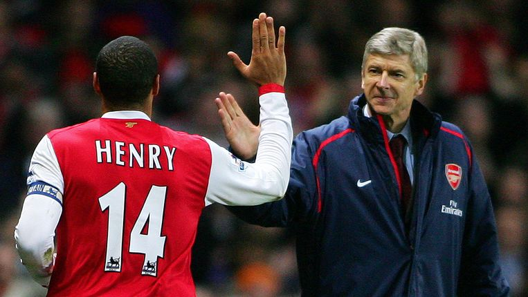 Wenger met Thierry Henry.