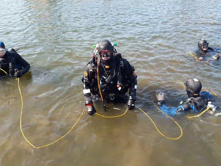 Lossen deze duikers het mysterie van de waterfiets op?