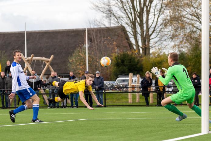 Voor Ameide was er zaterdag eindelijk weer eens winst in de derby tegen SVMeerkerk.