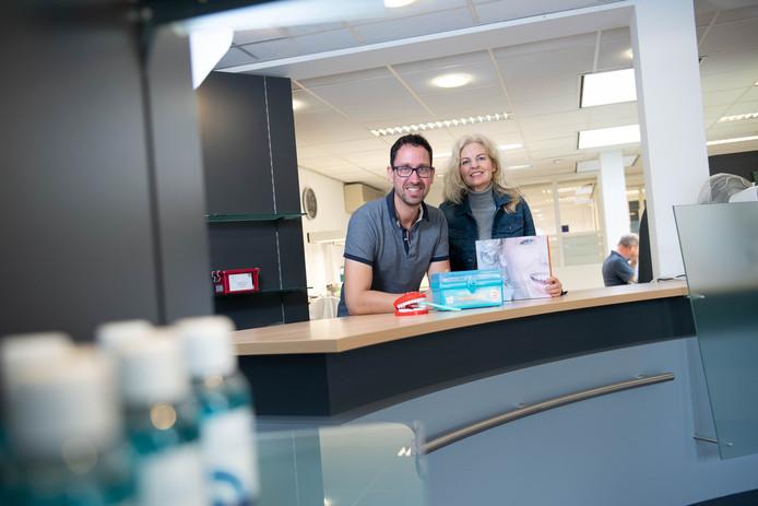 De eigenaren van Dentallas Tandtechniek, Carla Beukers en Martijn Kalsbeek, openen medio 2020 een tandartspraktijk in Albergen.