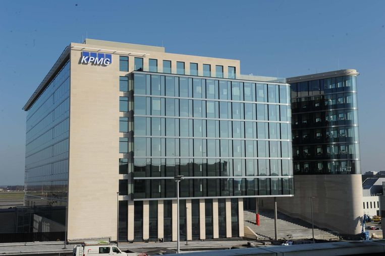 KPMG besloot eerder al naar de luchthaven te verhuizen.