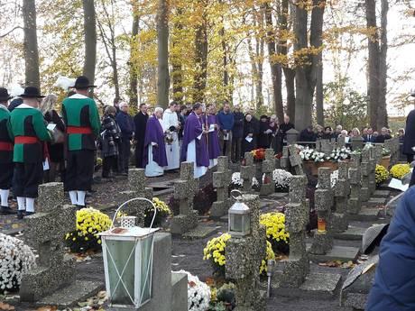 Zelfs een brommer hield Cees Schuurmans niet tegen om het klooster in te gaan