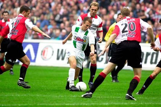 Arjan Robben als jong talent van FC Groningen in actie tegen Feyenoord.