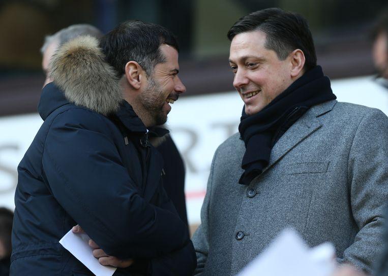 Veljkovic in de tribunes van Anderlecht in gesprek met Mateja Kezman.