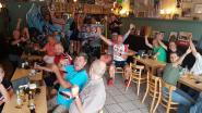 """Bescheiden feestje in supporterslokaal na Europese titel Remco Evenepoel: """"Nog te veel met Bjorg in onze gedachten"""""""