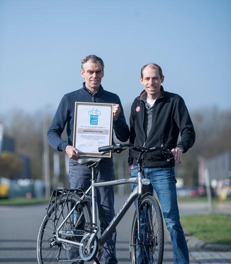 Almelose fietsfabrikant Stiggelbout: herenfiets soms veiliger voor vader met kind